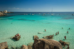 Isla de Favignana, Cala Azzura Beach, cerca de Sicilia Imagen de archivo libre de regalías