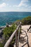 Isla de Isla Mujeres - el punto de Punta Sur también llamó a Acantilado del Amanecer o acantilado del amanecer Fotografía de archivo