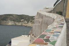 Isla de isquiones, camino ascendente a la colina Foto de archivo libre de regalías