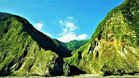 Isla de la montaña fotografía de archivo libre de regalías