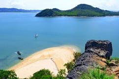 Isla de la NOK en la bahía de Phang Nga Fotos de archivo