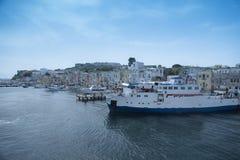 Isla de la opinión de Procida del barco Imagen de archivo