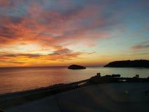Isla de la salida del sol del mar Imagen de archivo libre de regalías