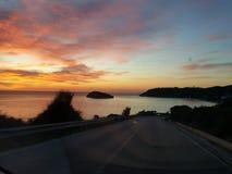 Isla de la salida del sol del mar Imagen de archivo