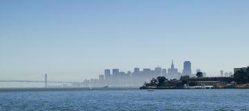 Isla de los ángeles con el horizonte de San Francisco Imagenes de archivo