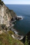 Isla de los isquiones de la bahía de Sorgeto (Italia) fotos de archivo