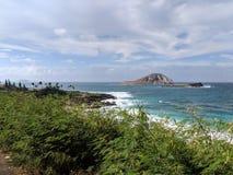 Isla de Manana e isla de Kaohikaipu de la costa foto de archivo