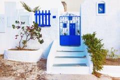 Isla de Santorini, Grecia Vieja arquitectura tradicional pintoresca Fotos de archivo