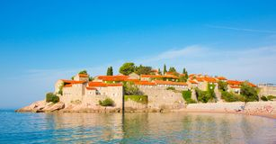 Isla de Sveti Stefan en Budva Riviera en Montenegro Fotografía de archivo libre de regalías