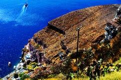 Isla de Thera Santorini Oia con Volcano And Ships In Greece Fotografía de archivo