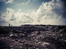 Isla de Thilafushi maldives Descarga de basura, montañas plásticas Fotografía de archivo libre de regalías