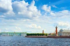 Isla de Vasilyevsky en verano fotografía de archivo