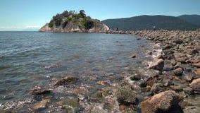 Isla de Whyte, parque de Whytecliff, Columbia Británica 4K UHD almacen de video