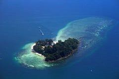 Isla del amor de la forma del corazón Foto de archivo libre de regalías