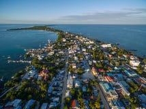 Isla del calafate de Caye en el mar del Caribe belice Mar del Caribe en fondo imágenes de archivo libres de regalías