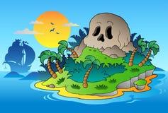 Isla del cráneo del pirata con la nave Imágenes de archivo libres de regalías