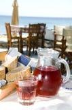 Isla del Griego de la playa del alimento de Taverna Fotos de archivo libres de regalías