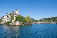 Isla del lago Orta - de San Julio - Piamonte - Italia Fotos de archivo libres de regalías