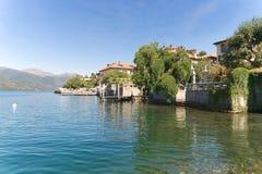 Isla del lago Orta - de San Julio - Piamonte - Italia Foto de archivo