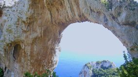 Isla del naturale de Arco de Capri almacen de metraje de vídeo
