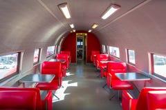 ISLA DEL NORTE, NUEVO SELANDIA 18 DE MAYO DE 2017: Hay asientos dentro del avión, y es el ` más fresco s de 10 McDonald alrededor Fotos de archivo