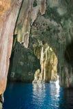 Isla del Pacífico interior de la cueva imagen de archivo libre de regalías
