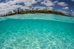 Isla del Pacífico tropical Imagen de archivo libre de regalías