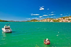 Isla del paisaje marino colrful de Murter Foto de archivo