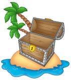Isla del pirata con a pecho abierto