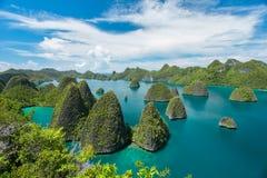 Isla deshabitada hermosa Imágenes de archivo libres de regalías