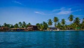 ISLA-DOPPELPUNKT, PANAMA - 25. APRIL 2015: Doppelpunkt-Insel Lizenzfreie Stockbilder