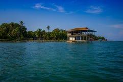 ISLA-DOPPELPUNKT, PANAMA - 25. APRIL 2015: Doppelpunkt-Insel Lizenzfreie Stockfotografie