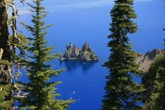 Isla en el lago Foto de archivo