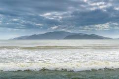 Isla en el mar Fotos de archivo libres de regalías