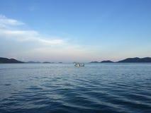 Isla en el océano Imagenes de archivo