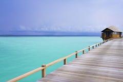 Isla en el océano, Maldives Imágenes de archivo libres de regalías
