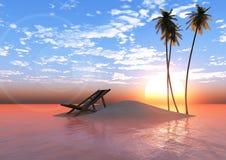 Isla en la puesta del sol con las palmeras y las sillas de cubierta Fotos de archivo