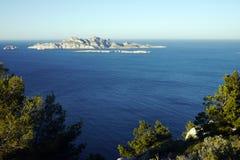Isla en mediterráneo imágenes de archivo libres de regalías