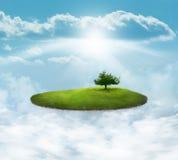 Isla flotante con el árbol stock de ilustración