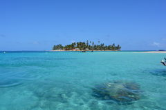 Isla hermosa en el archipiélago de San Blas, ¡de Panamà Imágenes de archivo libres de regalías