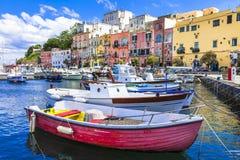 Isla hermosa viva de Procida, Italia fotos de archivo