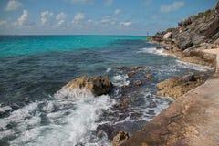 Isla Mujeres ö - Punta Sur punkt kallade också Acantilado del Amanecer eller klippan av gryningen Arkivfoto