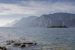Isla Olivo y lago Garda Fotografía de archivo
