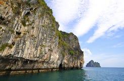 Isla pedregosa, Tailandia Foto de archivo libre de regalías