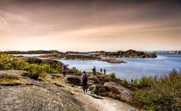 Isla preciosa, naturaleza hermosa y un cielo dramático - Goteburgo, Suecia imágenes de archivo libres de regalías