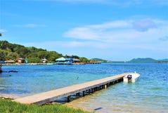 Isla roatan de la bahía de Elena del santo imagen de archivo
