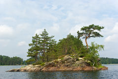 Isla rocosa Fotografía de archivo libre de regalías
