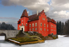 Isla romántica de la señal del palacio del castillo del castillo francés del agua Foto de archivo