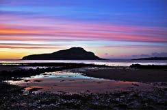 Isla santa en el amanecer fotos de archivo libres de regalías