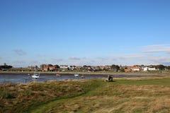 Isla santa, pueblo Northumberland Reino Unido de Lindisfarne foto de archivo